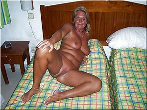 Femmes seules 60 ans